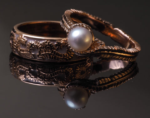 Rose gold resin and pearl ring set. Timeless design