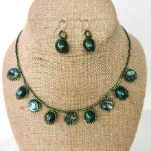 Load image into Gallery viewer, Paua Shell and Pearl Drops Necklace