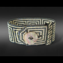 Load image into Gallery viewer, Meander Button Bracelet