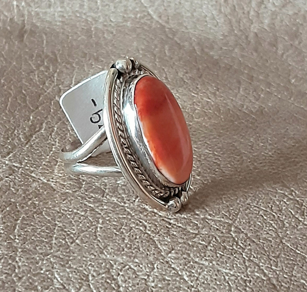 Genuine Navajo Sterling Silver Ring with Spiny Oyster Shell