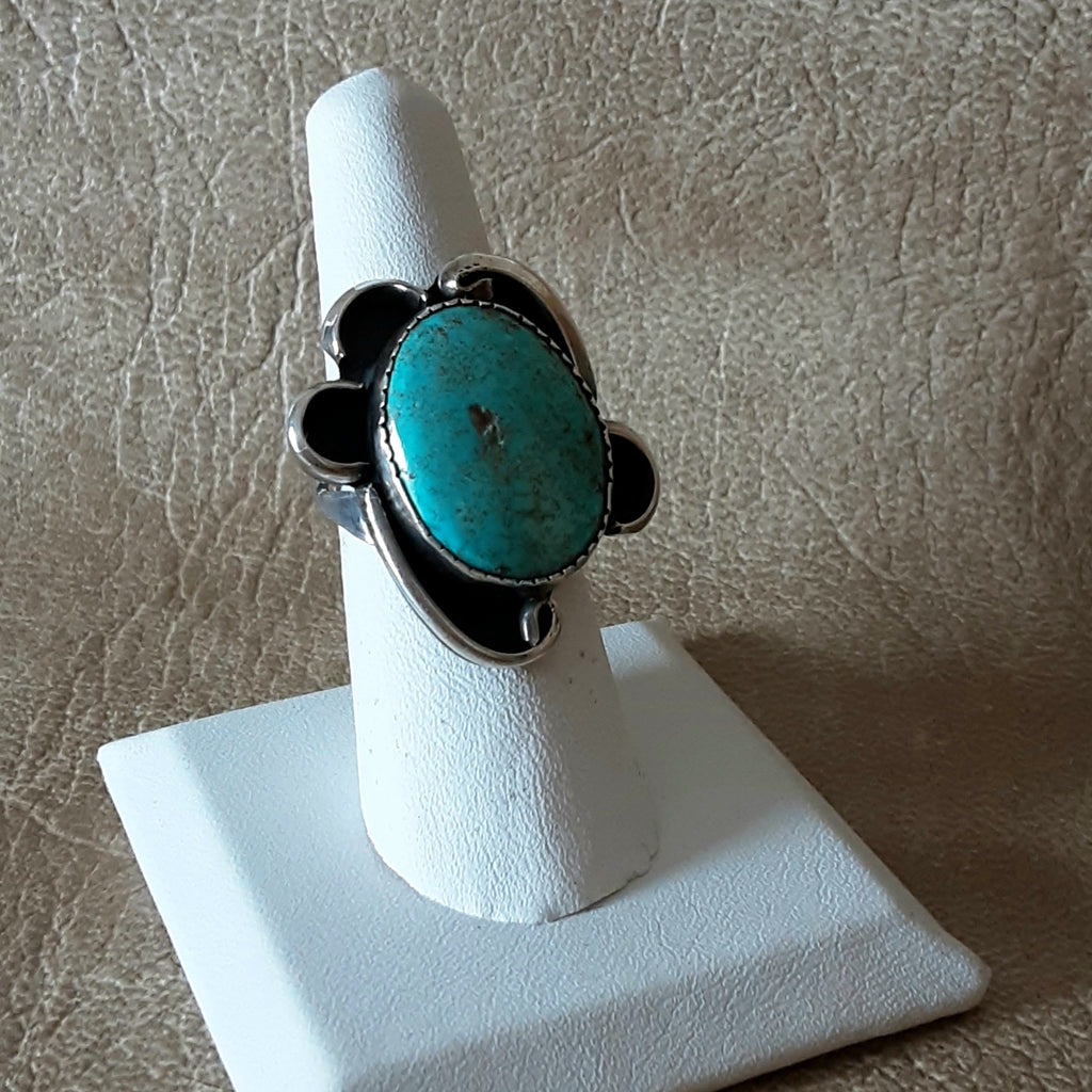 Vintage Turquoise Ring set in Sterling Silver