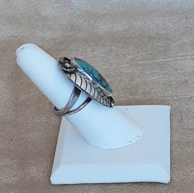 Vintage Genuine Navajo Green Turquoise Ring with Leaf and Scroll Work