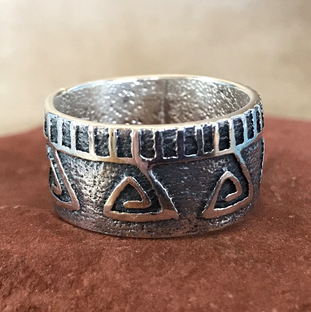 Steve LaRance, Hopi Tufa Cast  Silver Band Ring with Water Design with Falling Rain SR4