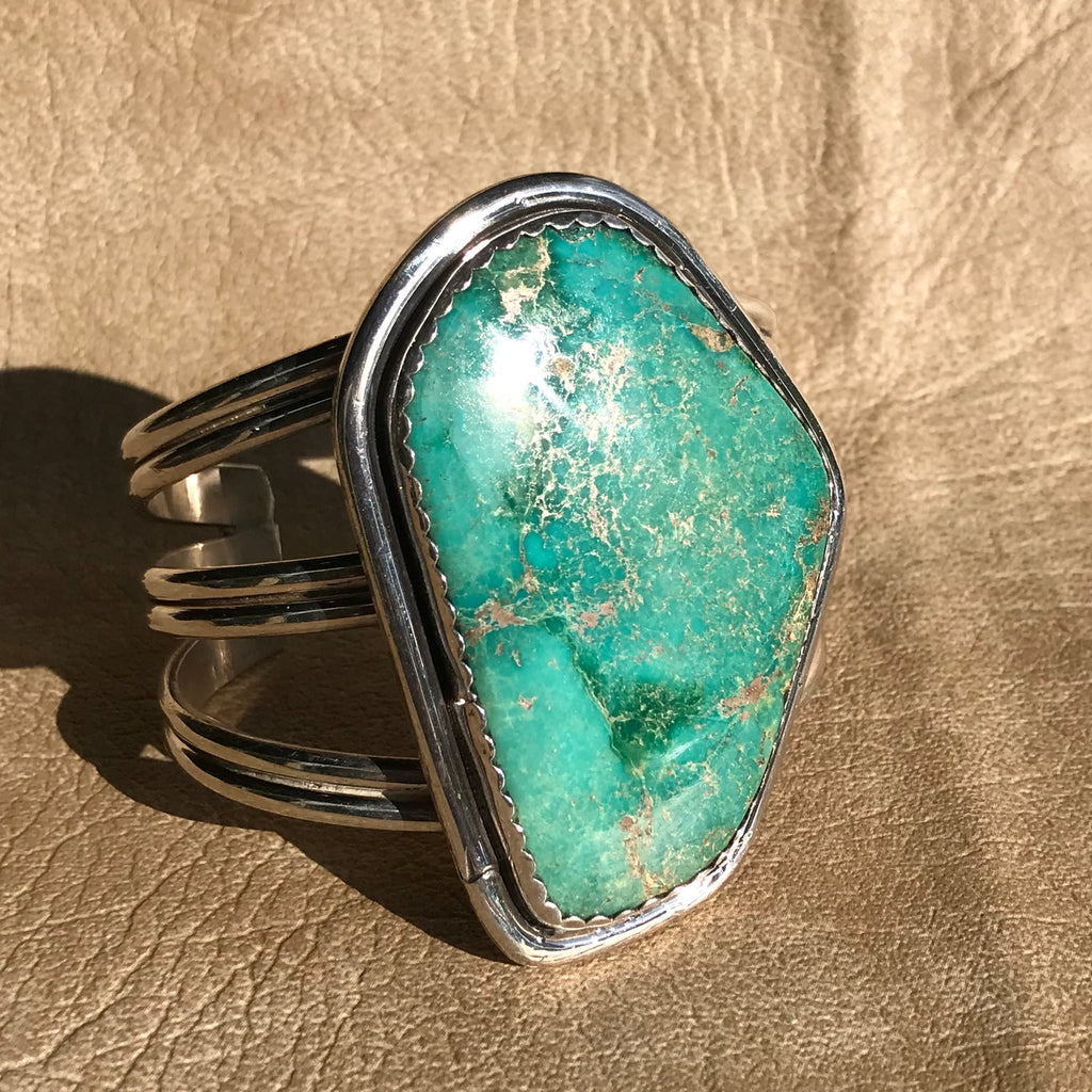 Large Vintage Green Carico Lake Turquoise Cuff, Navajo, KD109