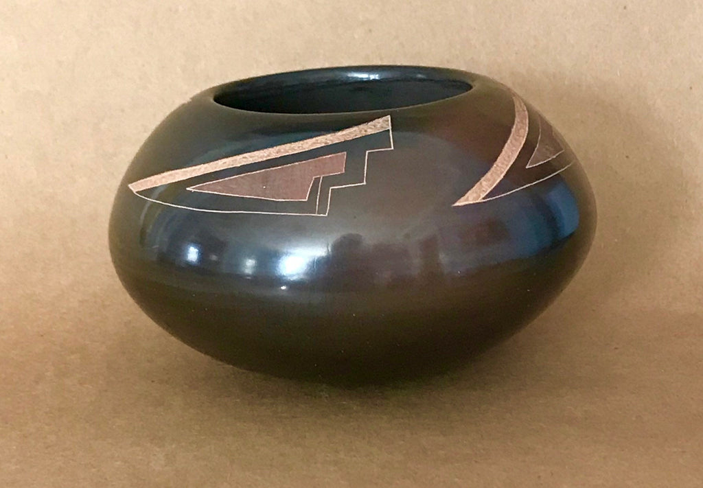 Santa Clara Pueblo Authentic Native American Etched Pot by Polly Rose Folwell