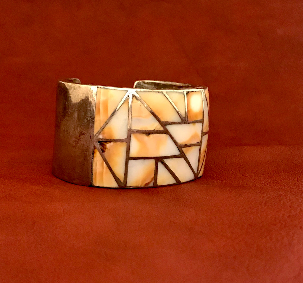 Authentic Navajo Heavy Inlay Native American Melon Shell Cuff Bracelet