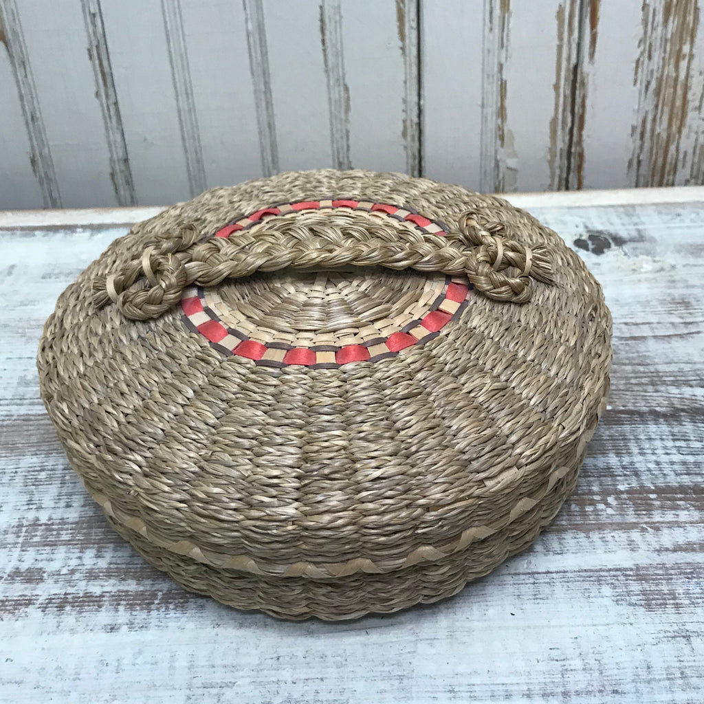 Mary Gabriel, Passamaquoddy Sweetgrass and Brown Ash Round basket with Lid  AC15