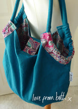 Load image into Gallery viewer, Reversible Beach Bag Sewing Pattern
