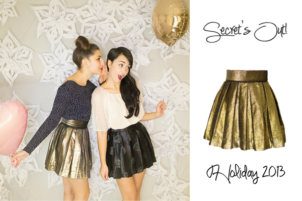 Gold pleated skirt, perfect for the holidays