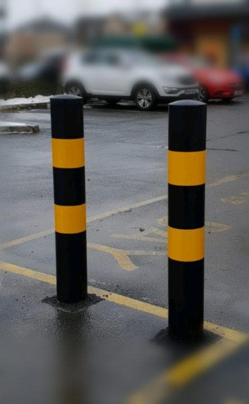 Black & Yellow Powder Coated Static Security Post / Bollard (168mm diameter)