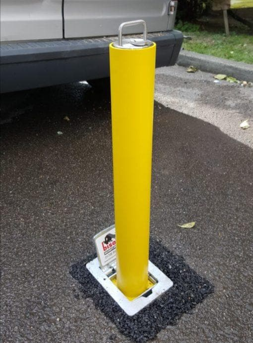 Large Round Lower Height Lift Assist Telescopic Security Post