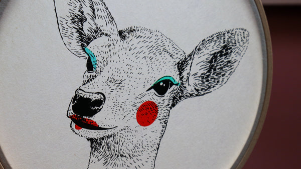 "Biche - Sérigraphie sur papier japonais et tambour de broderie - ""Painted Animals"" Collection Dream Drum"