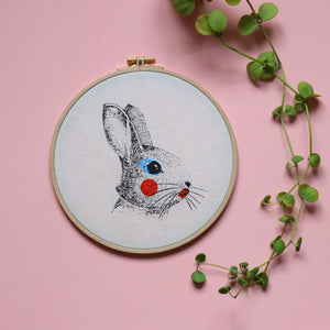 "Le lapin - Sérigraphie sur papier japonais et tambour de broderie - ""Painted Animals"" collection Dream Drum"