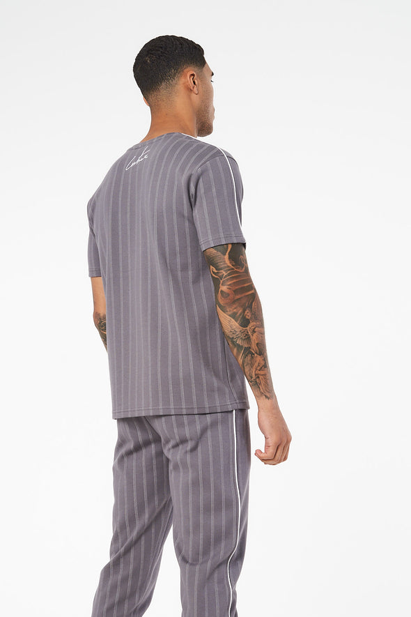 JACQUARD PINSTRIPE T-SHIRT WITH RUBBER BADGE