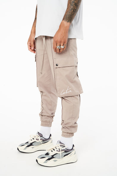 SEAM DETAIL CUFFED CARGO PANTS WITH NYLON BELT