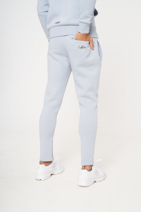 ESSENTIALS SLIM FIT JOGGER