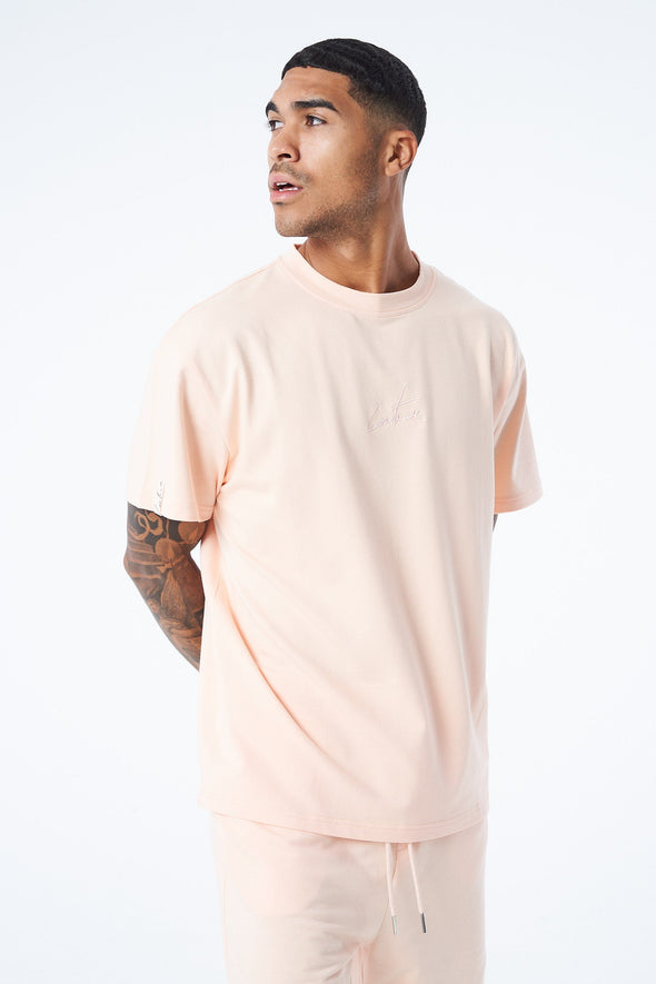 ESSENTIAL TONAL SIGNATURE T SHIRT