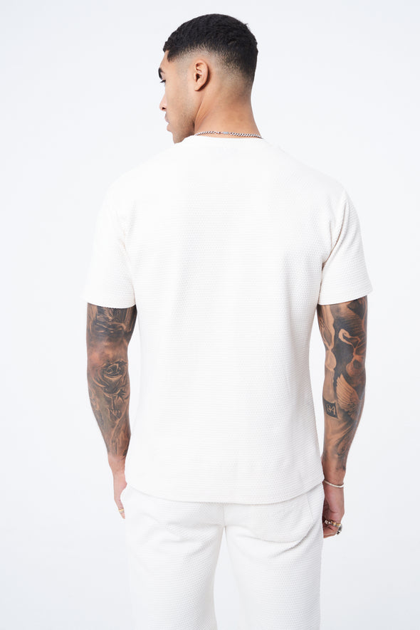 TEXTURED ESSENTIAL T SHIRT