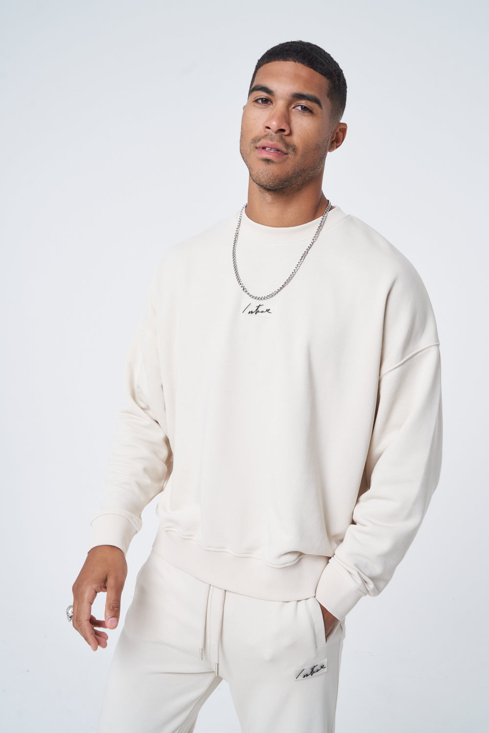 Clothing & Accessories Relaxed Fit Essential Crew
