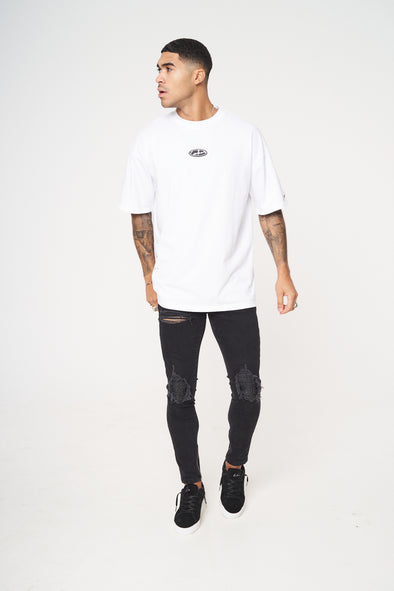 WHITE RUBBER BADGE DEFINTION OVERSIZED T-SHIRT
