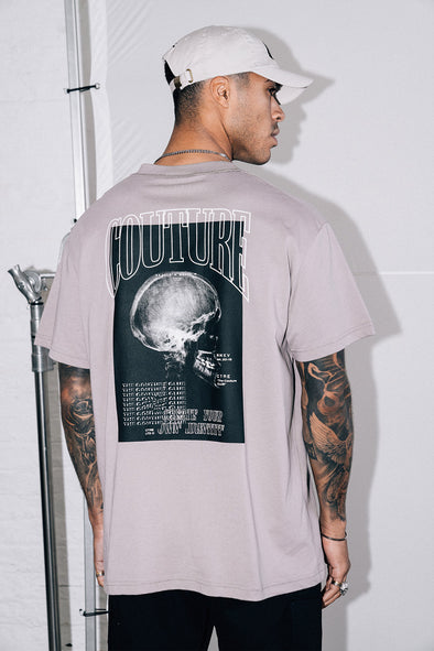 OVERLOCK DETAIL SKULL GRAPHIC T SHIRT