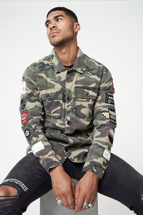 CAMO BADGED UTILITY JACKET