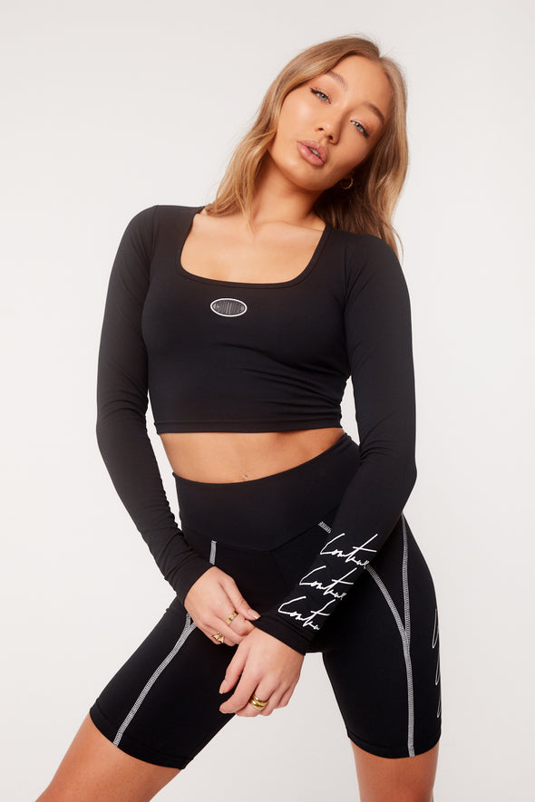 TRIPLE SIGNATURE SQUARE NECK CROP TOP