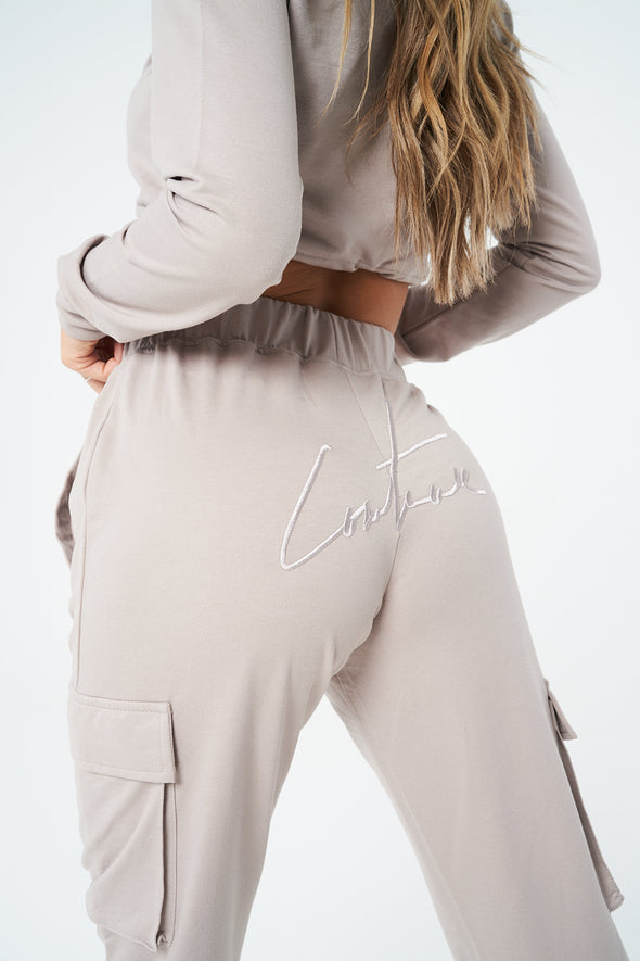 SIGNATURE RUCHED 90S CARGO JOGGERS