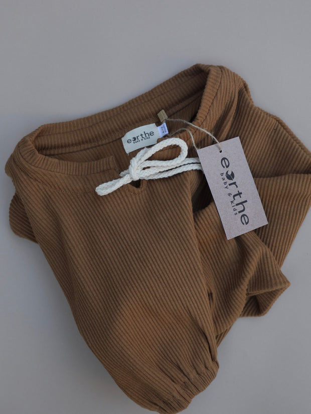 Ribbed Pullover / Almond 1