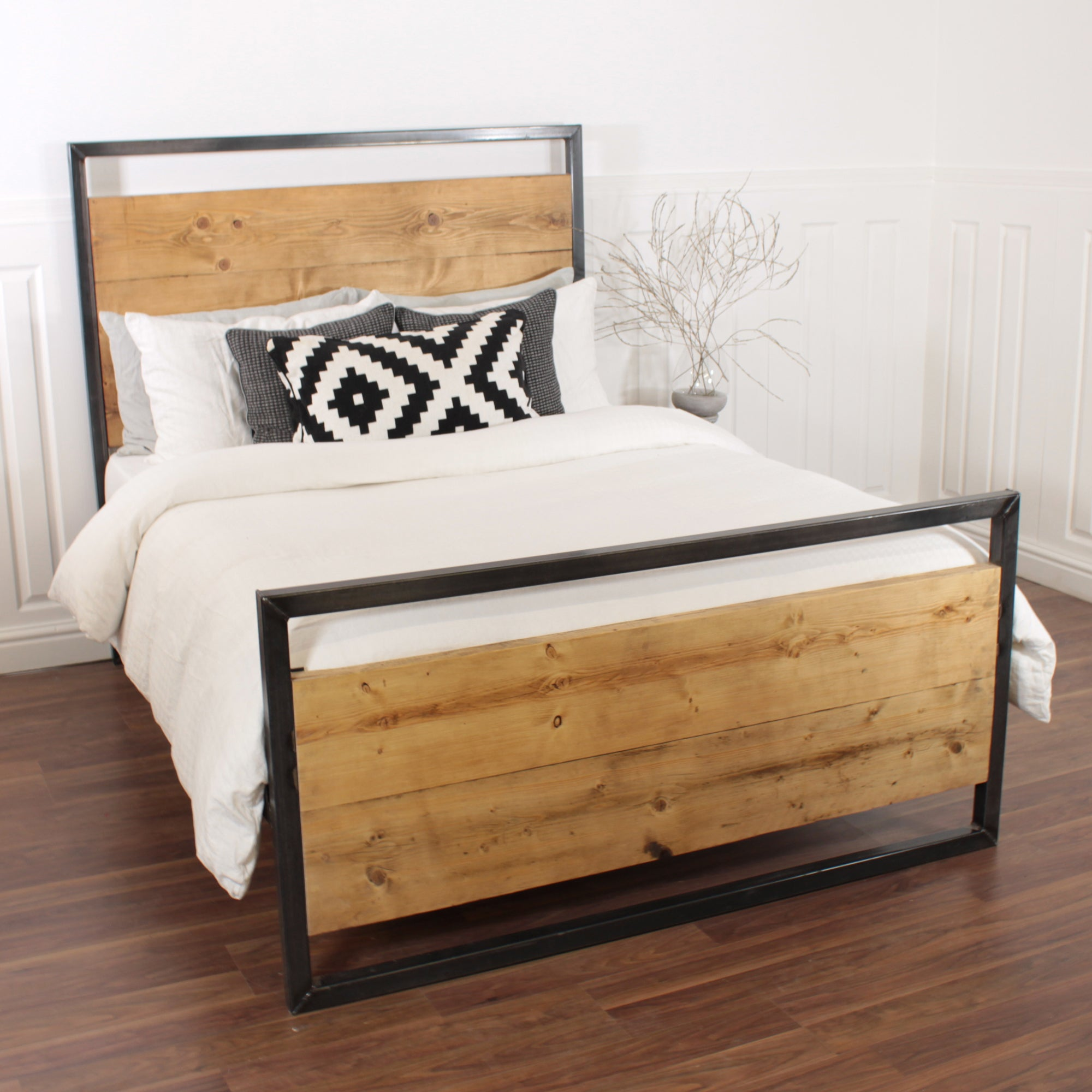 Industrial Bed Handmade Wooden Steel Double Single Frame King Reclaimed Wood Pine Solid Farmhouse Oak Country Metal
