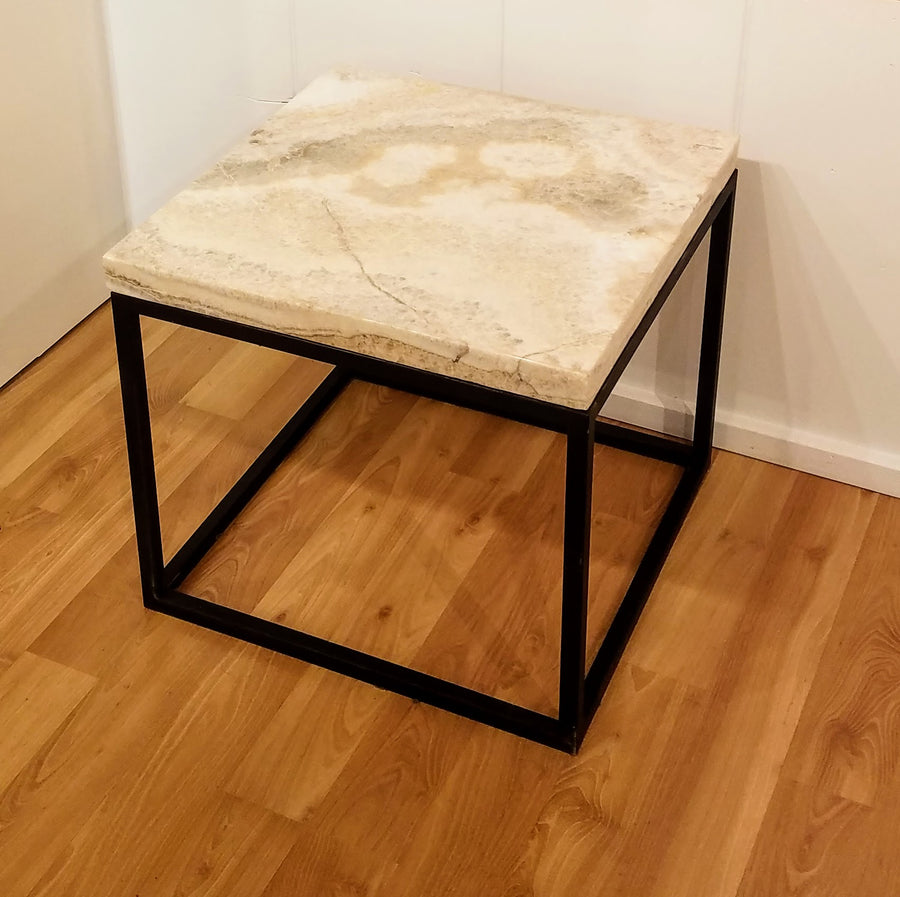 SQUARE ONYX TABLE