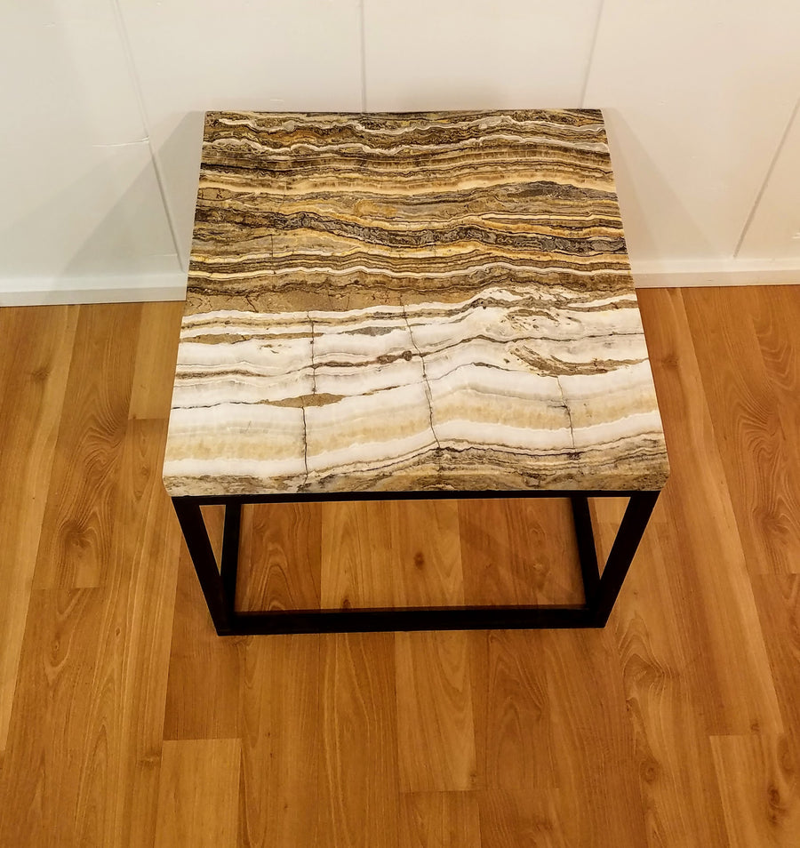STRIPED ONYX COFFEE TABLE