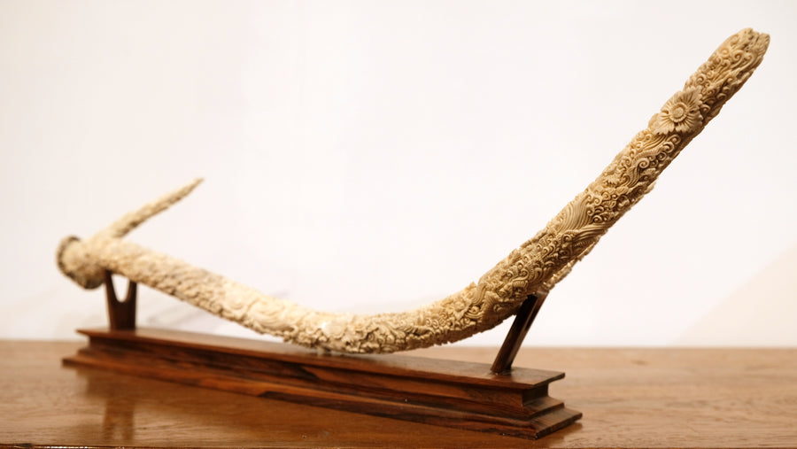 LARGE FLORAL CARVED ANTLER