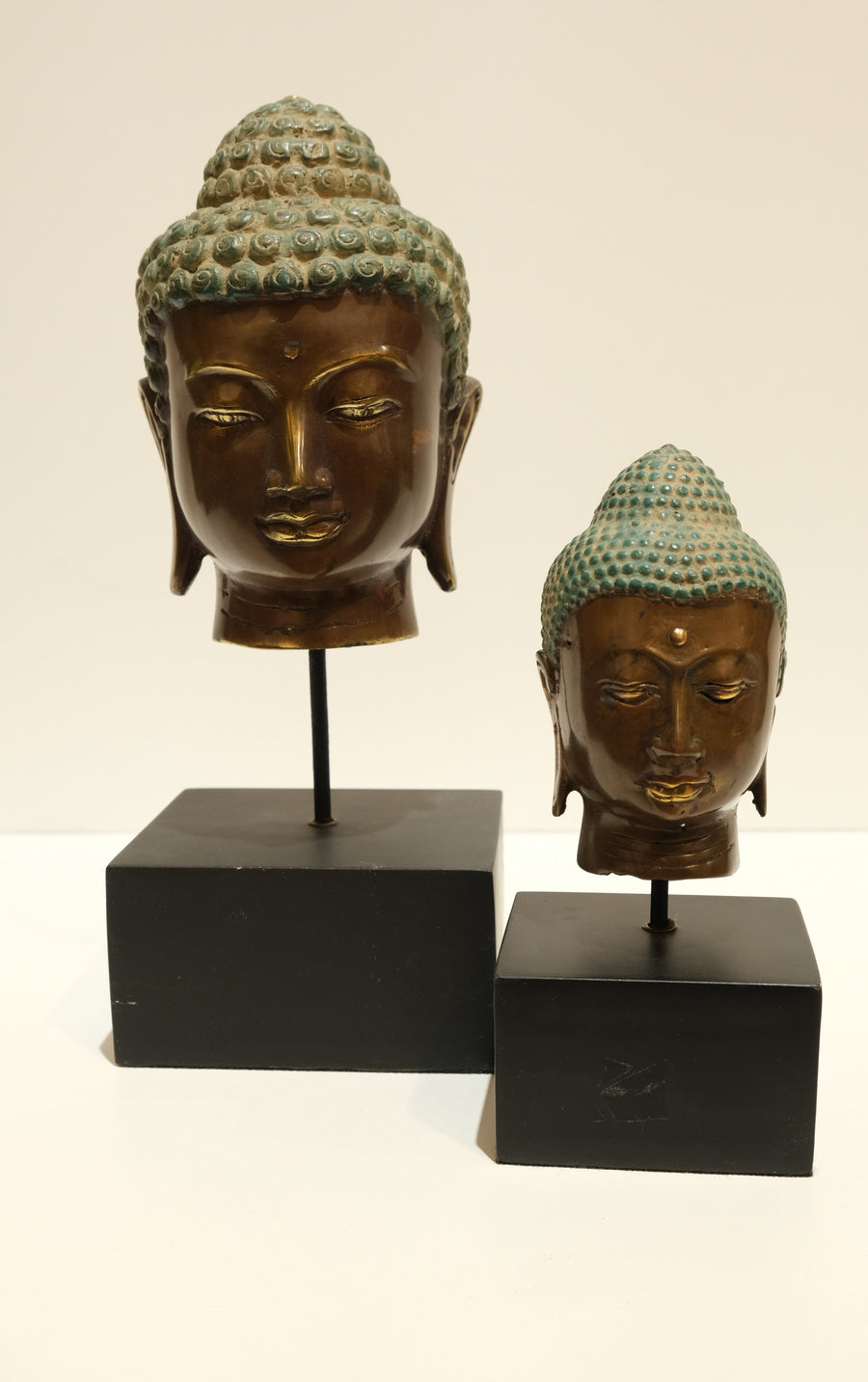 ANTIQUED METAL BUDDHA HEAD