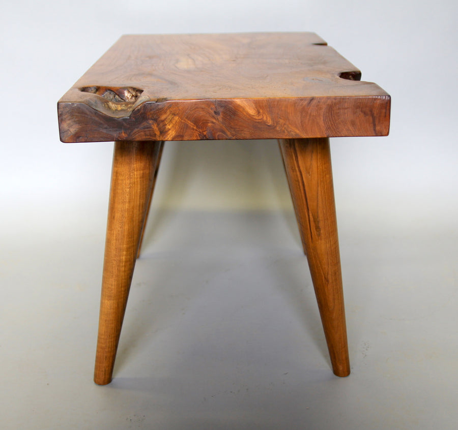 MID CENTURY DESIGN TEAK SIDE TABLE