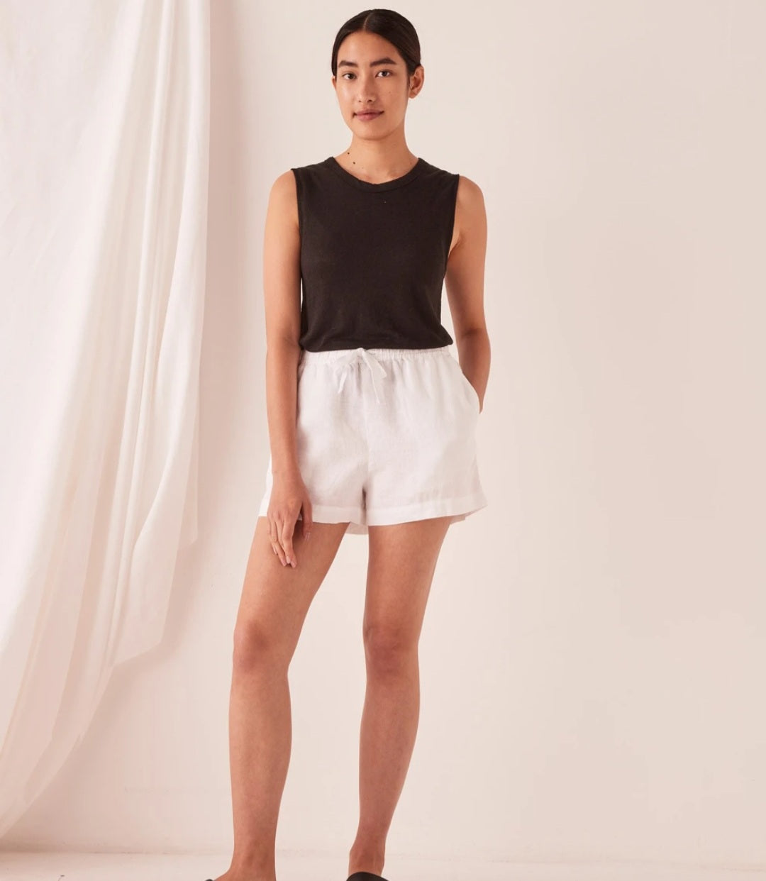 Assembly Label Anika Short - White, Pink Dew & Silver