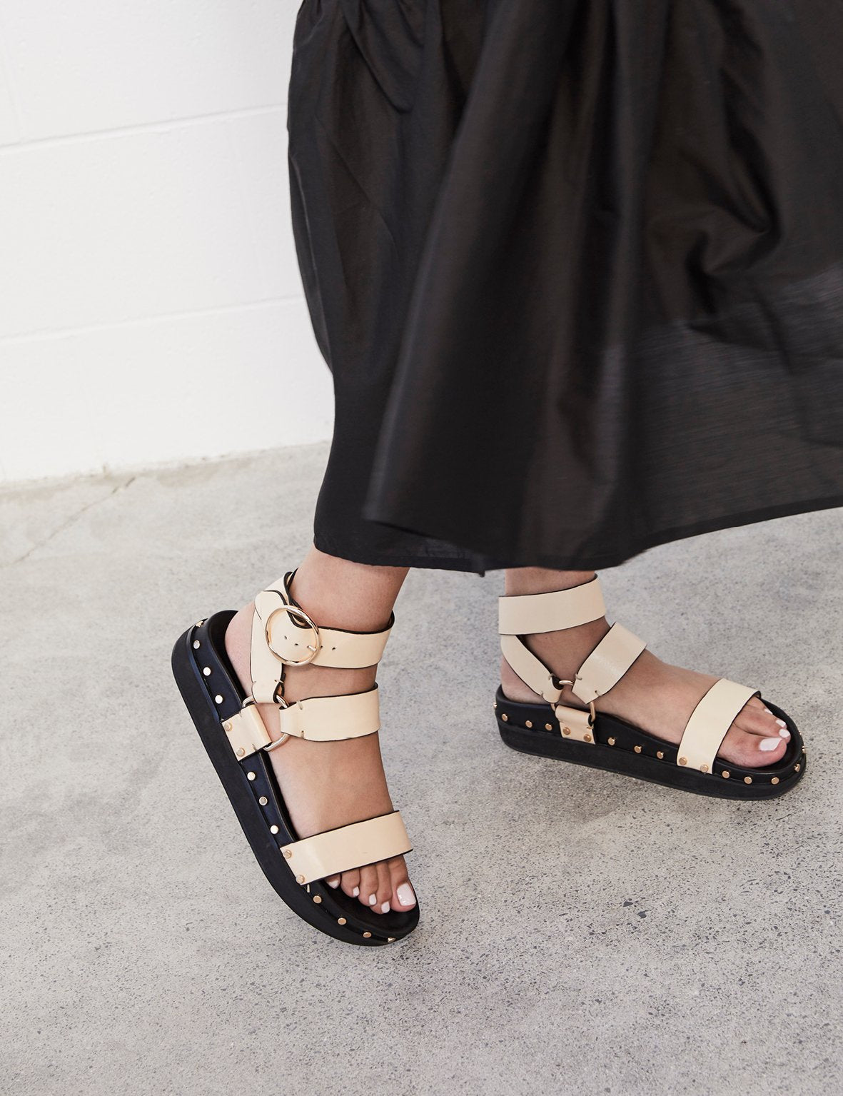 LA TRIBE Studded Sandal Blush