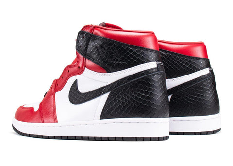 Nike Jordan 1 Retro High Satin Snake Chicago (W)