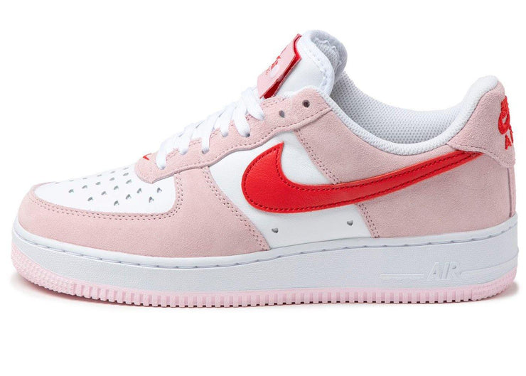 Nike Air Force 1 07 QS Valentine&