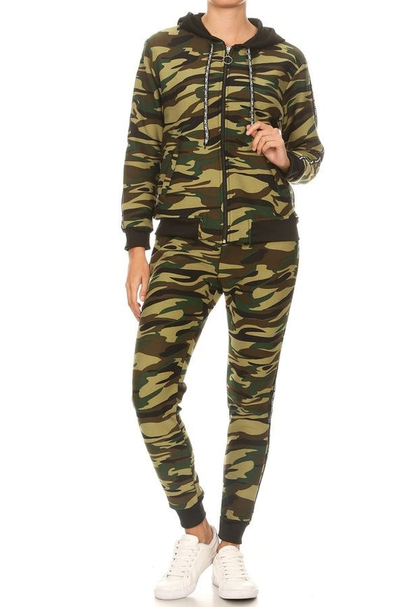 JV19100 -  Camo Fleece Jogging Suit