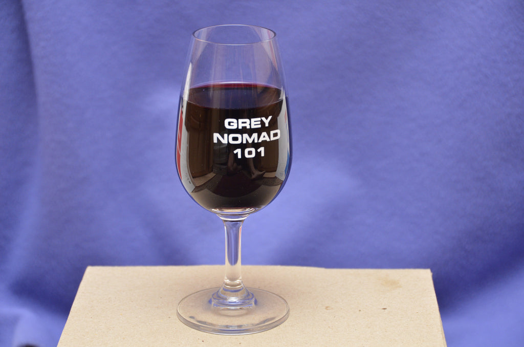"Monogrammed wineglasses - ""Grey Nomad 101"""