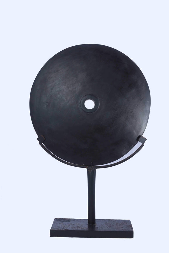 Black Stone Circle on a stand - KKC Boutique