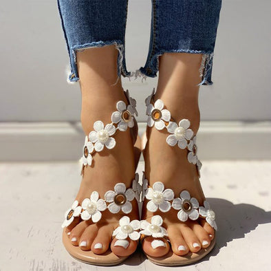 Swimsuitsnova White Floral Embellished Toe Ring Casual Sandals