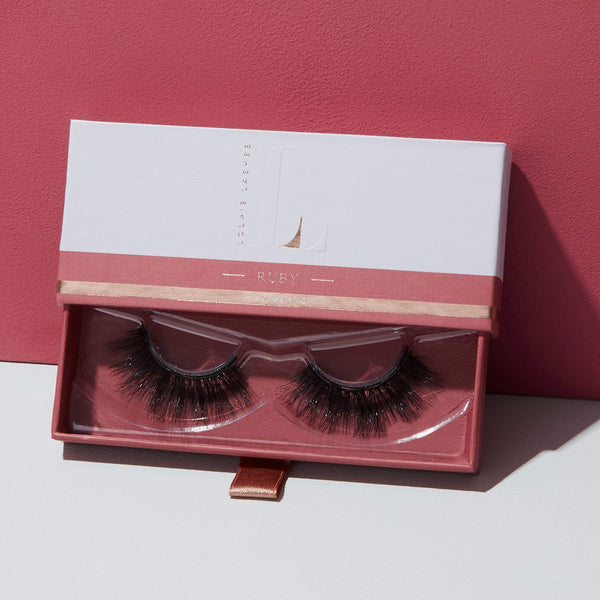 Magnetic Eyelashes and Eyeliner - Ruby Magnetic False Eyelashes - Lola's Lashes