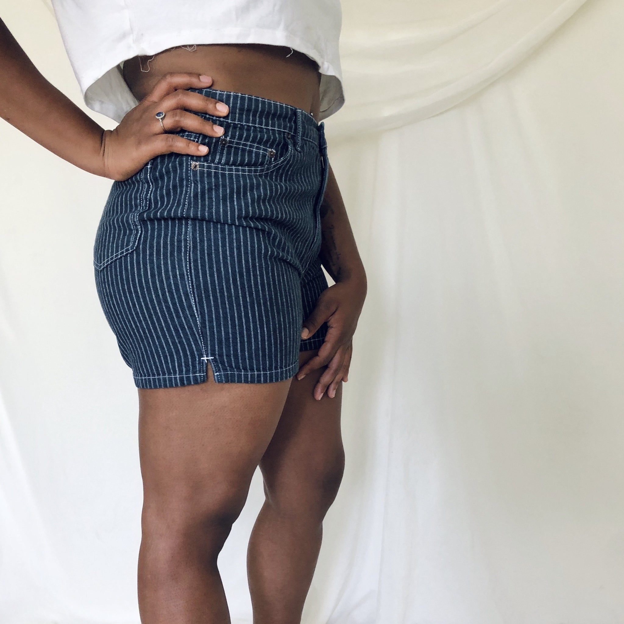 1980's Bill Blass Dark Wash High Waist Demin Shorts