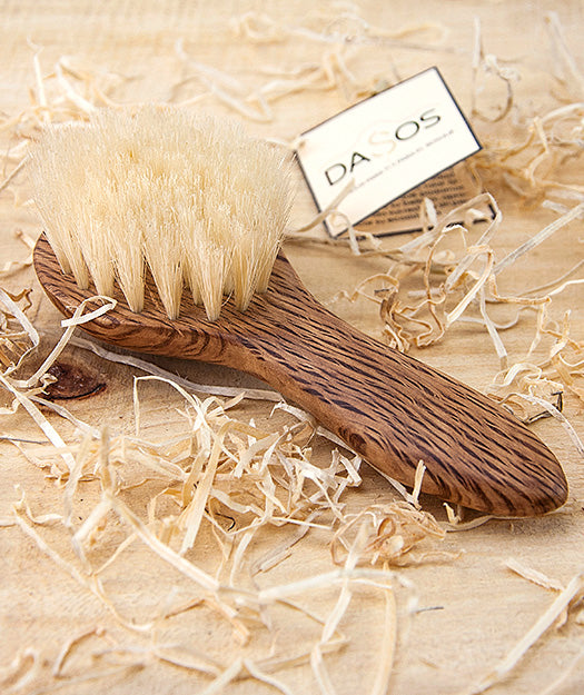 Oak wood brush for children's hair