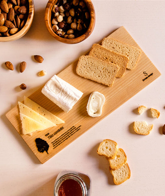 Cheese board and spread knife | I invite