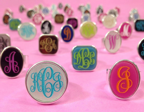 Round Acrylic Bezel Monogram Ring Apparel & Accessories > Jewelry > Rings - 4