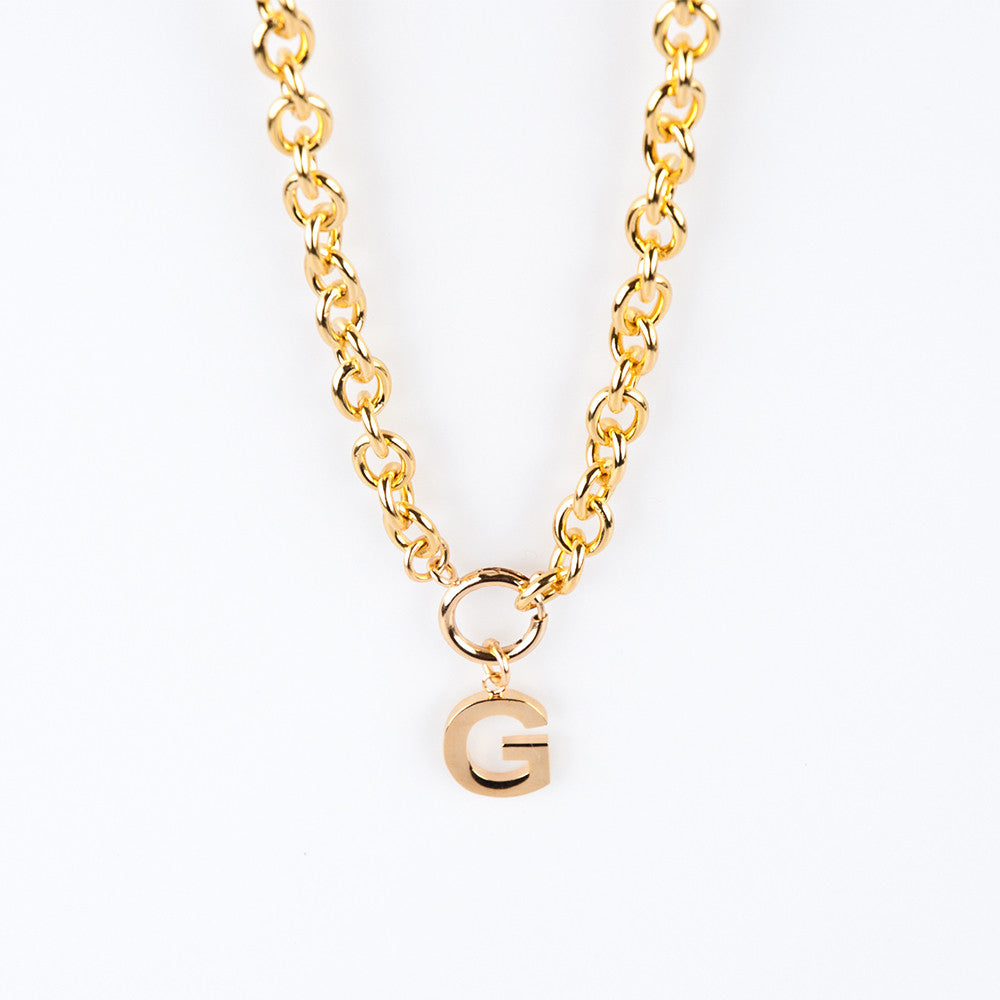 Lisa Stewart Link Chain Garamond Initial Necklace Apparel & Accessories > Jewelry > Necklaces