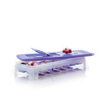 D052 Cool Cubes Ice Tray Berry New Colour